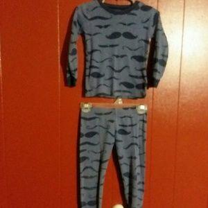Carter's pajama set